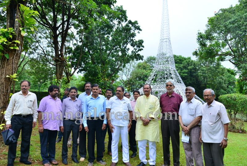 image012pilikula-mini-eiffel-tower-inauguration-20160727-012
