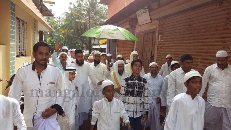 image013bhatkal-celebrates-eid-ul-Fitr-with-religious-fervor-20160706