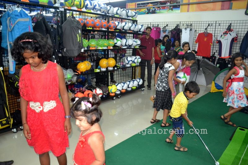 image013hamsmart-sports-shop-20160704-013