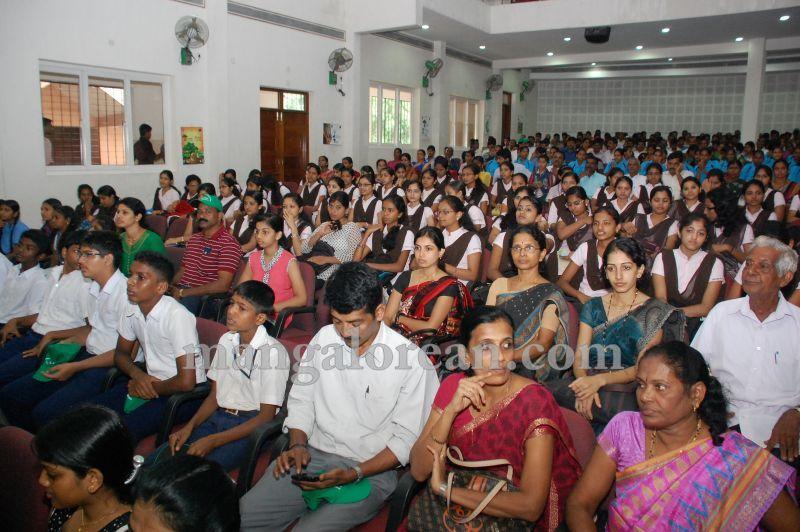 image014minister-pramod-madhwaraj-launches-koti-vraksha-abhiyana-20160703