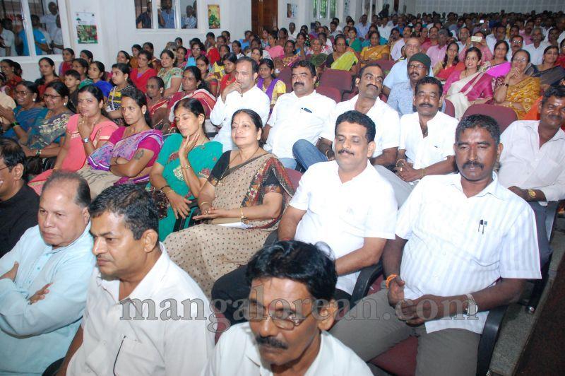 image014pramod-madhwaraj-civic-felicitation-udupi-cmc-20160703