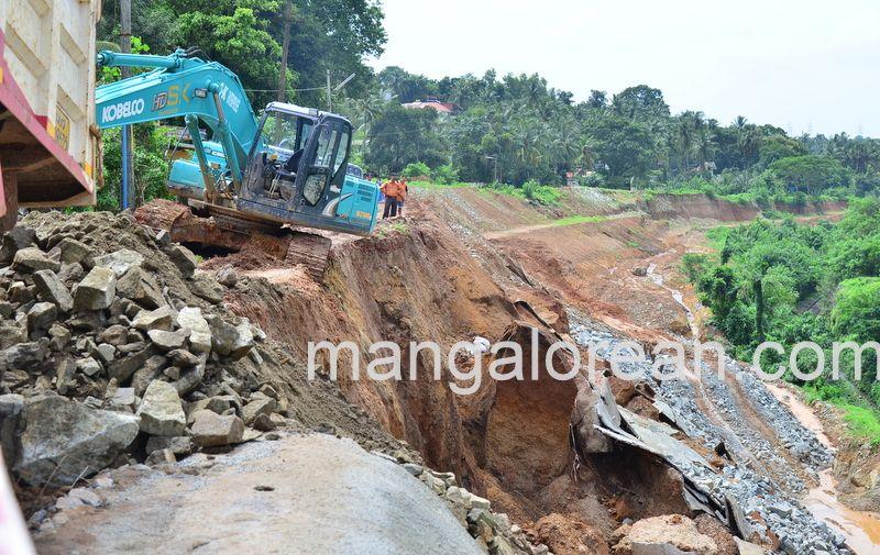 image014railway-tunnel-konguru-landslide-20160716-014