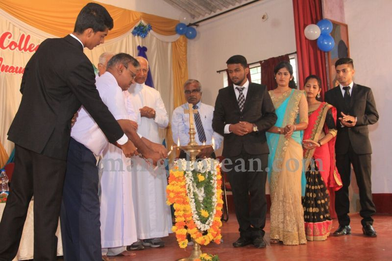 image015fx-gomes-inaugurates-student-council-at-st-mary's-college-shirva-20160723