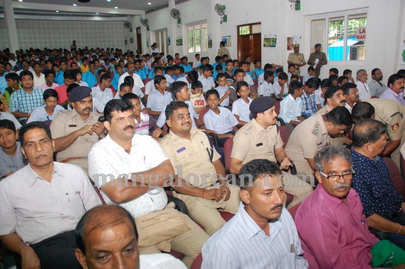 image015minister-pramod-madhwaraj-launches-koti-vraksha-abhiyana-20160703