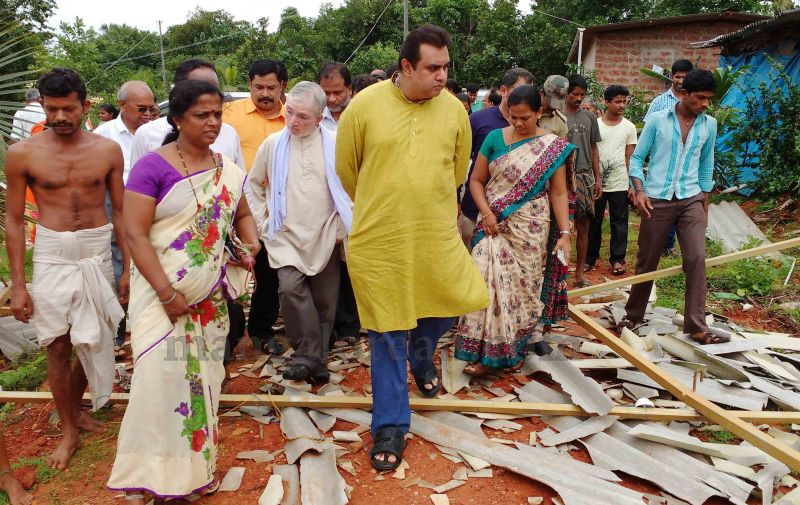 image015rain-wind-affected-areas-visit-pramod-20160707
