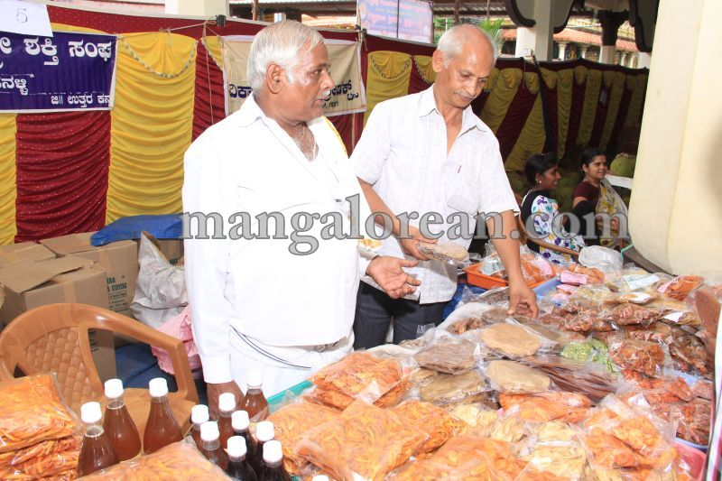 image015state-level-jackfruit-mela-attracts-good-crowd-201607-01