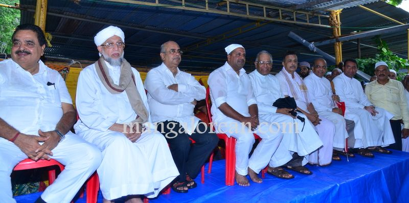 image016Muslim-Fraternity-Celebrates-Eid-Ul-Fitr-20160705-016