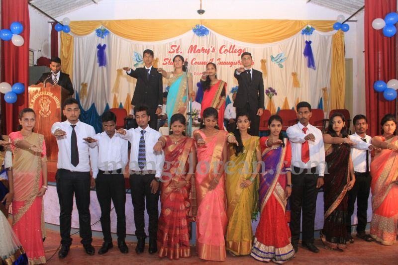image017fx-gomes-inaugurates-student-council-at-st-mary's-college-shirva-20160723