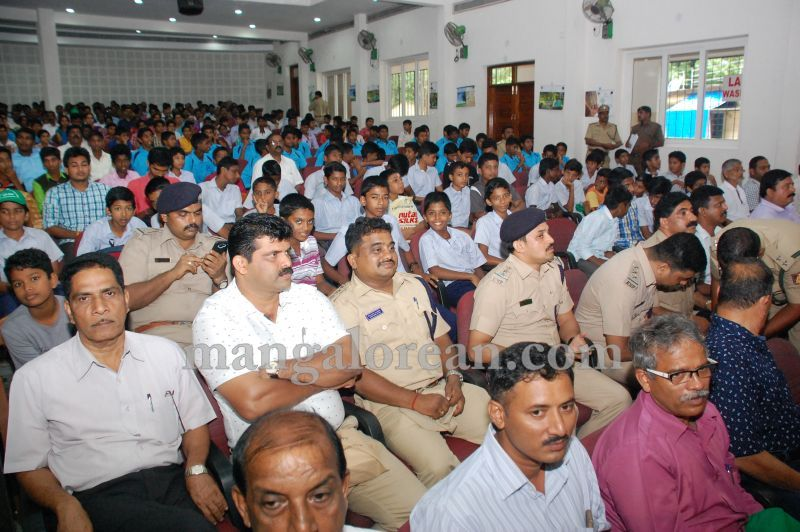 image017minister-pramod-madhwaraj-launches-koti-vraksha-abhiyana-20160703