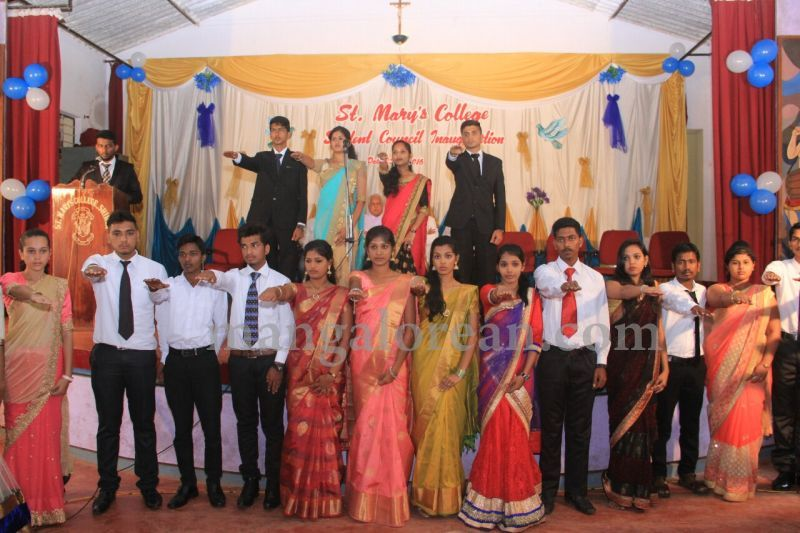 image018fx-gomes-inaugurates-student-council-at-st-mary's-college-shirva-20160723