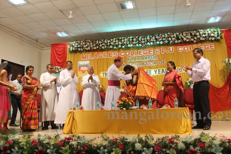 image019madhwaraj-inaugurates-golden-jubilee-year-of-milagres-college-20160717