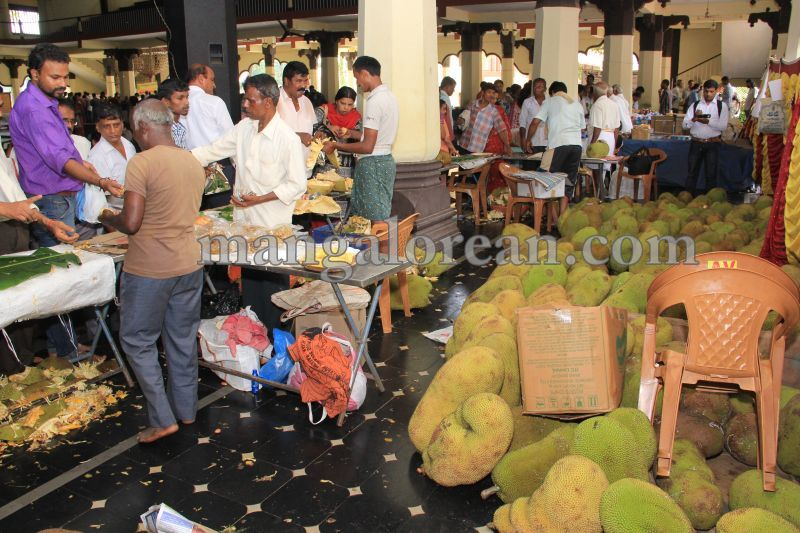 image019state-level-jackfruit-mela-attracts-good-crowd-201607-01