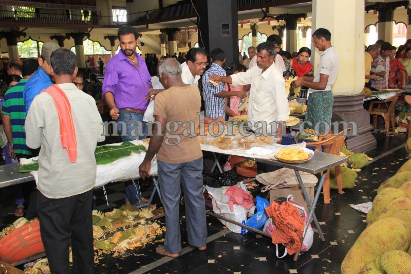 image020state-level-jackfruit-mela-attracts-good-crowd-201607-01