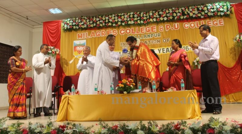 image021madhwaraj-inaugurates-golden-jubilee-year-of-milagres-college-20160717