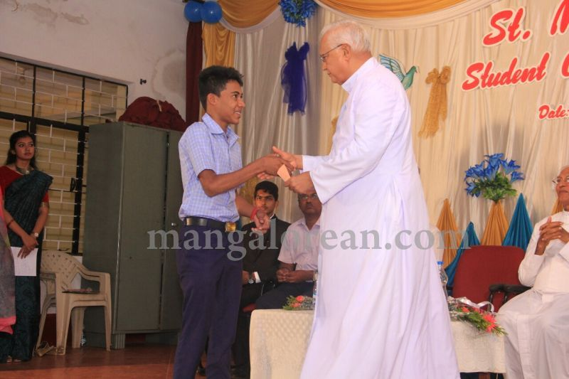 image022fx-gomes-inaugurates-student-council-at-st-mary's-college-shirva-20160723