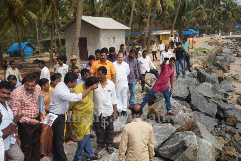 image022madhwaraj-to-initiate-departmental-inquiry-against-nirmithi-kendra-20160707