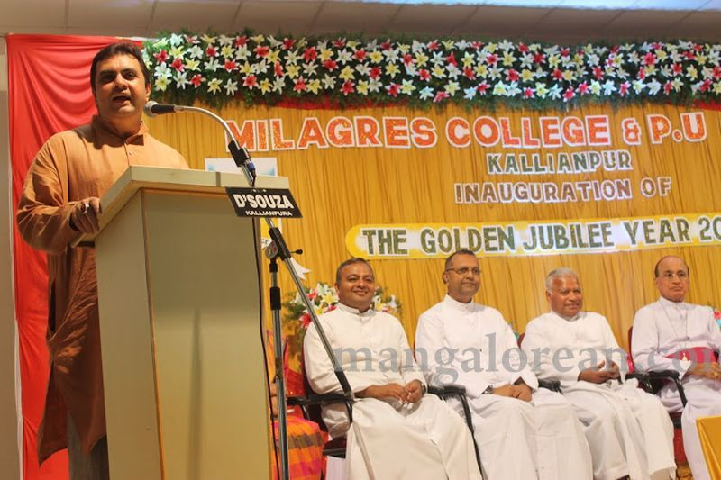 image023madhwaraj-inaugurates-golden-jubilee-year-of-milagres-college-20160717