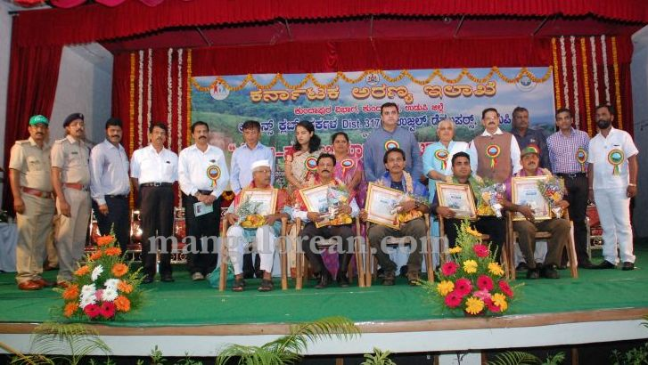 image028minister-pramod-madhwaraj-launches-koti-vraksha-abhiyana-20160703