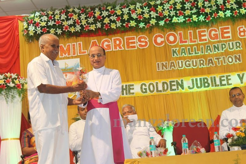 image032madhwaraj-inaugurates-golden-jubilee-year-of-milagres-college-20160717
