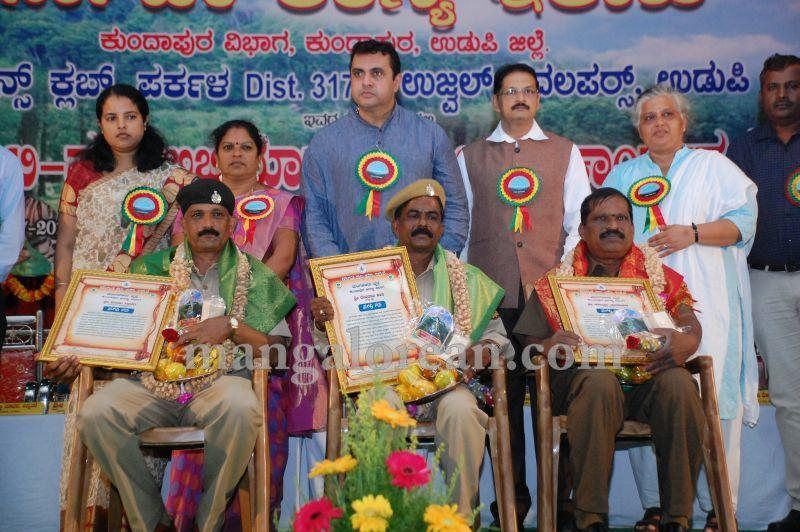 image038minister-pramod-madhwaraj-launches-koti-vraksha-abhiyana-20160703