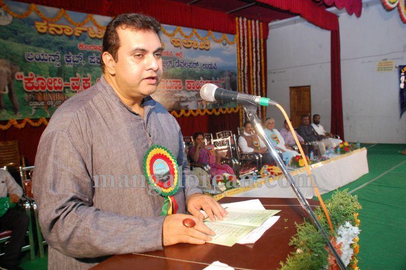 image041minister-pramod-madhwaraj-launches-koti-vraksha-abhiyana-20160703