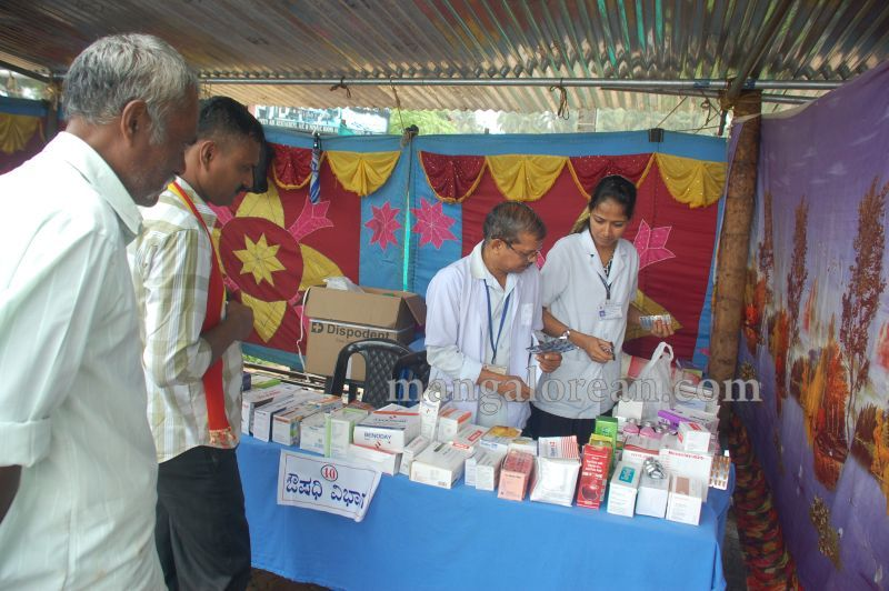 image058karnataka-karmika-vedike-health-check-up-camp-malpe-20160724