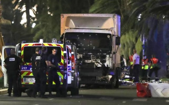 nice-terrorist-attack-paris-20160715