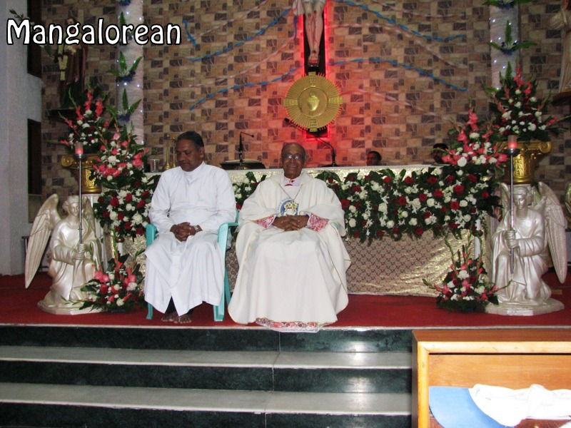 Archbishop-Moras-urges-become innocent-like-little-children (16)