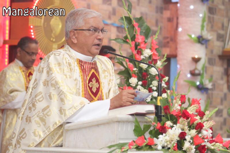 Archbishop-Moras-urges-become innocent-like-little-children (39)
