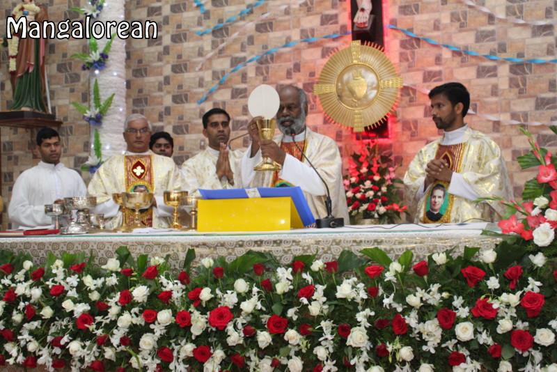 Archbishop-Moras-urges-become innocent-like-little-children (46)