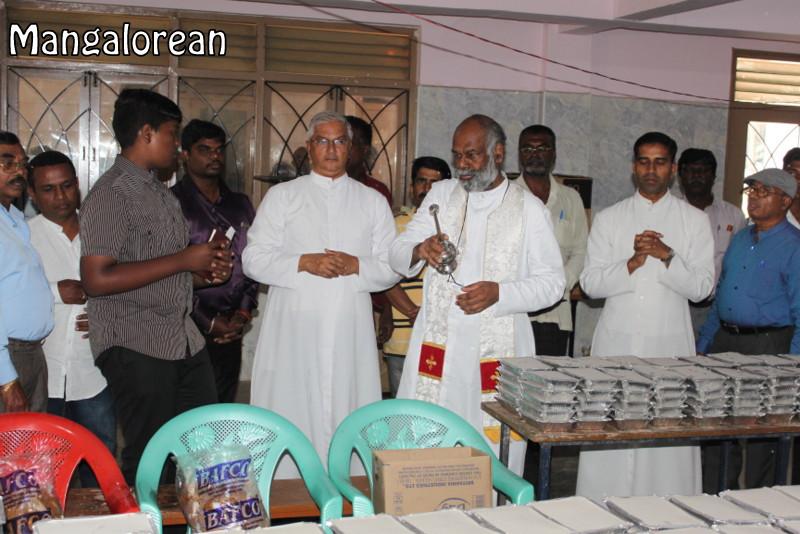 Archbishop-Moras-urges-become innocent-like-little-children (48)