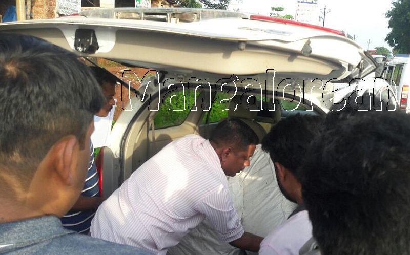 CCB-police-seize-51 kg-Ganja-one-arrested (1)