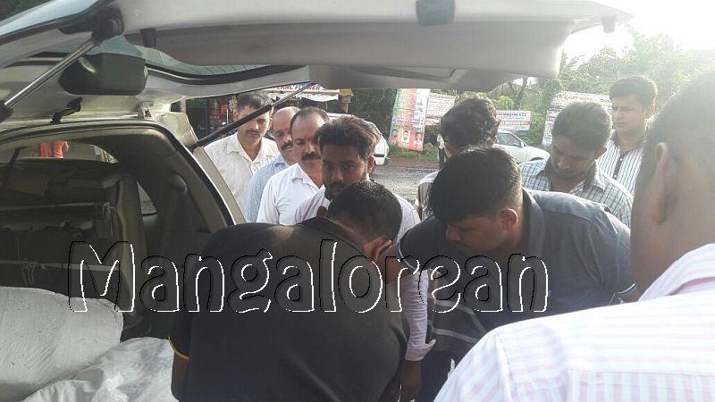 CCB-police-seize-51 kg-Ganja-one-arrested (2)
