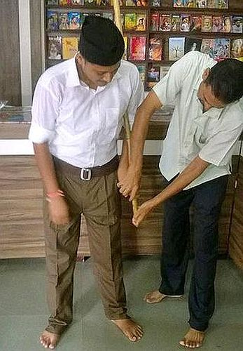 Chaddi-Out-Trousers-In-RSS-Don-New-Khaki-Uniform (1)