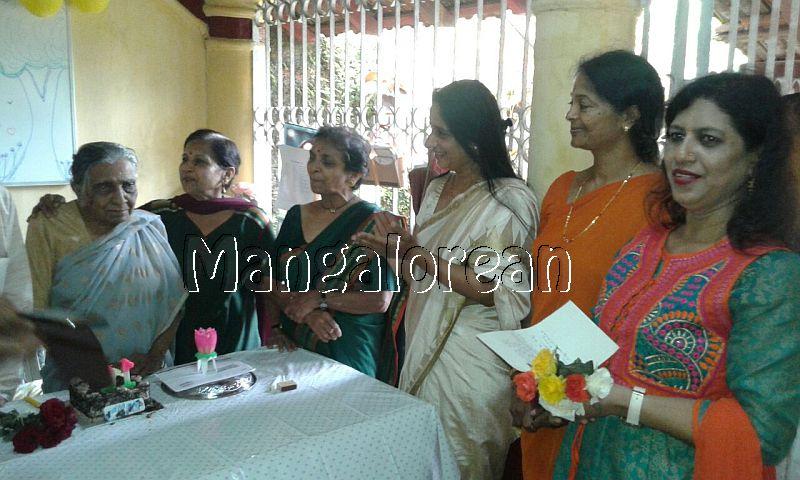 I-day-celebrated-vishwas-trust (2)