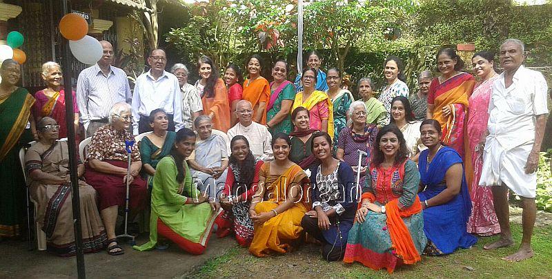 I-day-celebrated-vishwas-trust (3)