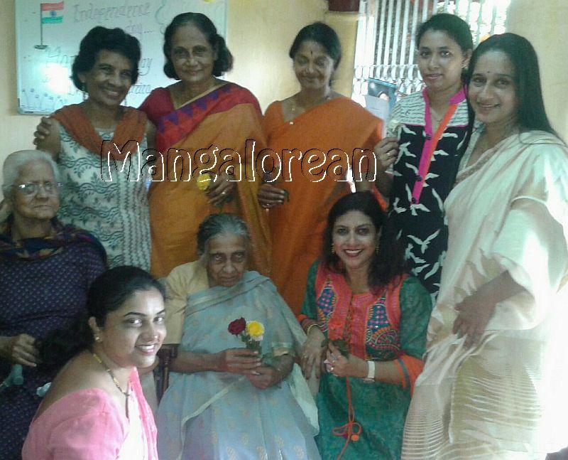 I-day-celebrated-vishwas-trust (4)
