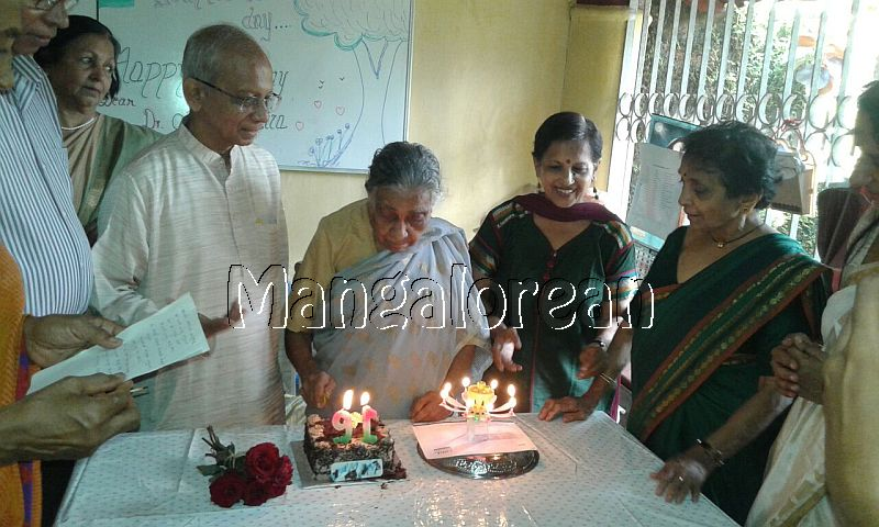 I-day-celebrated-vishwas-trust (5)