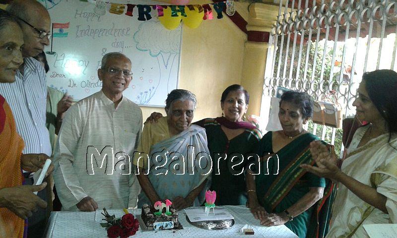 I-day-celebrated-vishwas-trust (8)