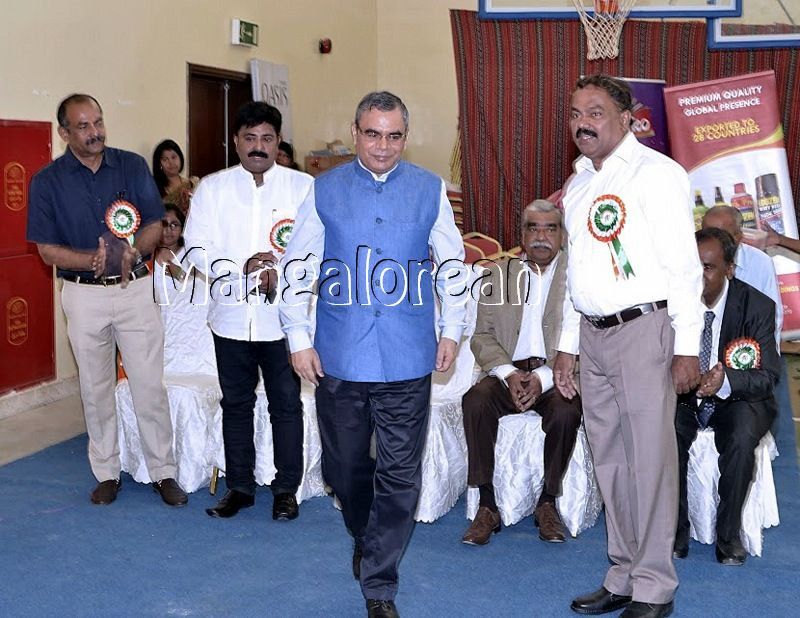 Mangalore-Spikers-thrilling-Indoor-Volleyball-Tournament-Independence-Cup-2016 (11)