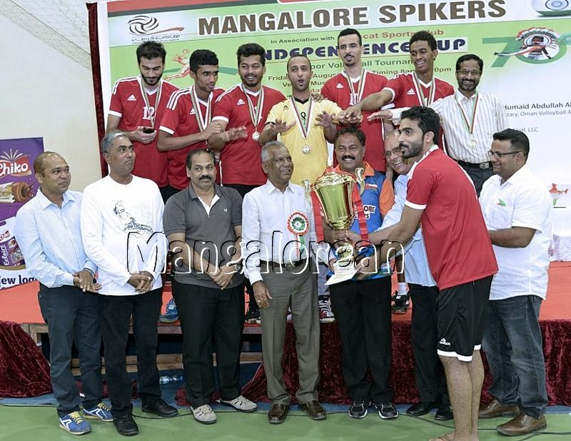 Mangalore-Spikers-thrilling-Indoor-Volleyball-Tournament-Independence-Cup-2016 (6)