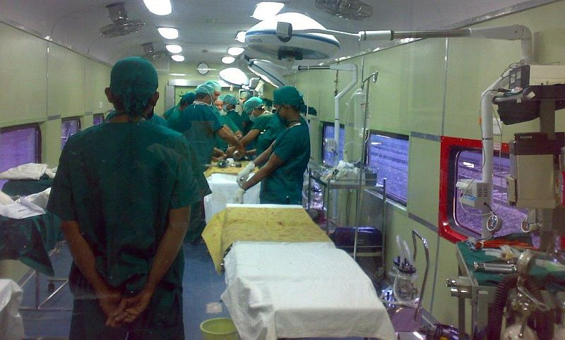 Medical-Check-Up-on-Lifeline-Express-Hospital-Train (1)