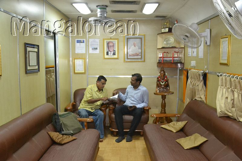 Medical-Check-Up-on-Lifeline-Express-Hospital-Train (48)