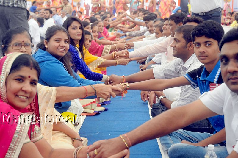 Raksha-Bandhan-Celebrated-World-Record (3)