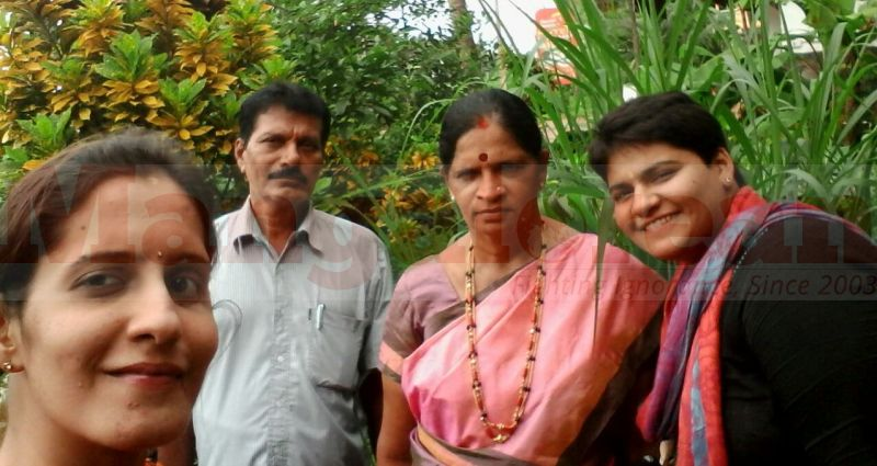 Roopa at right side with her parents and sister