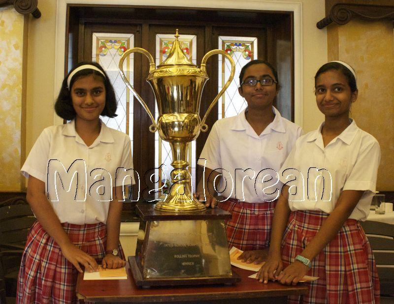 Sacred-Heart-Girls-High-School-Wins-Serra-Annual Scripture Quiz (1)