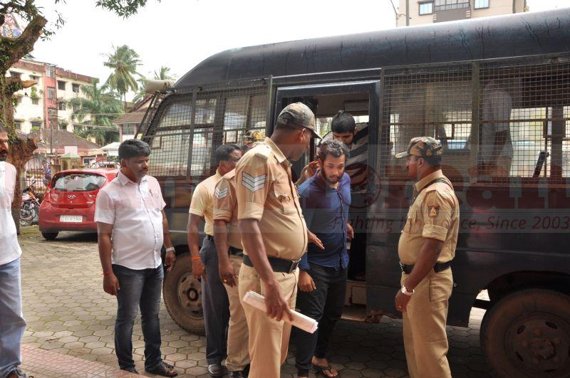 bhaskar-shetty-murder-case-court-produce-20160824-03