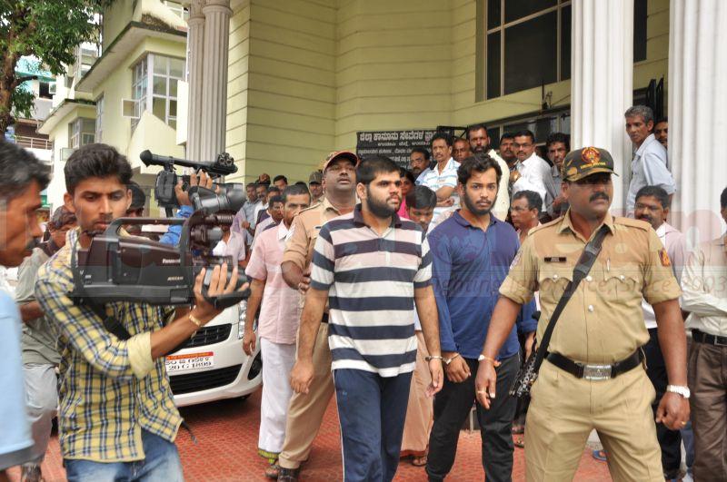 bhaskar-shetty-murder-case-court-produce-20160824-07