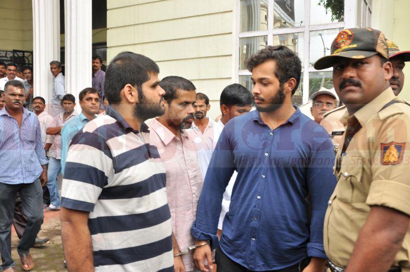 bhaskar-shetty-murder-case-court-produce-20160824-09