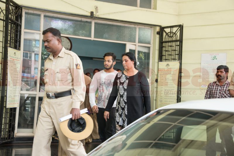 bhaskar-shetty-murder-wife-son-produced-court-20160808-01